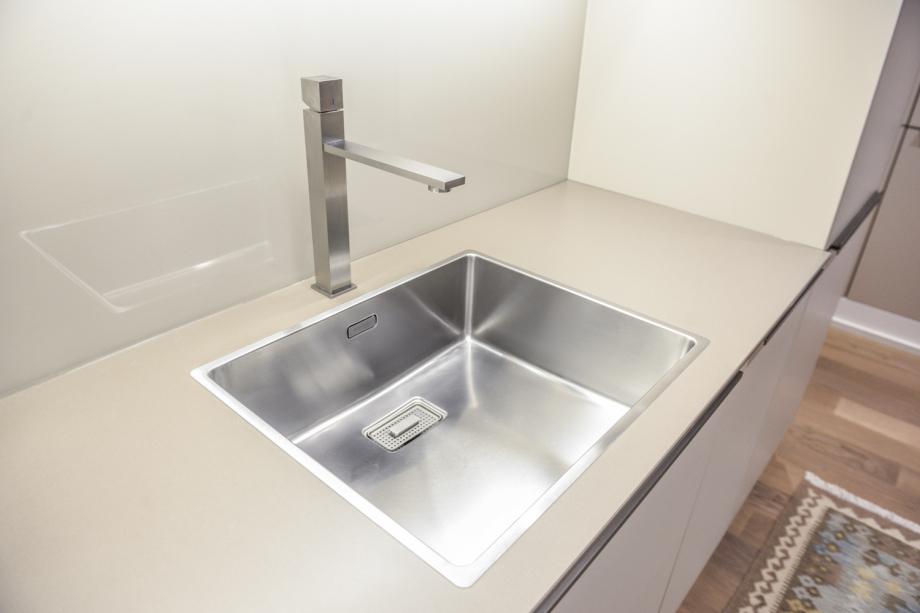 Edelstahlarmaturen für klare Strukturen in der Küche