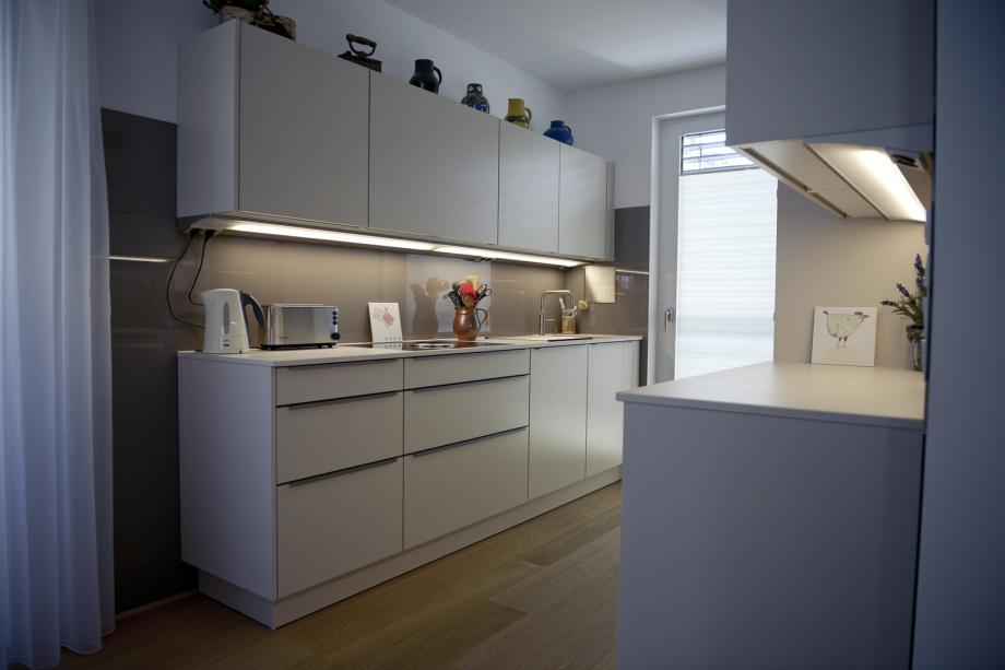 Design Küche mit glatten Oberflächen