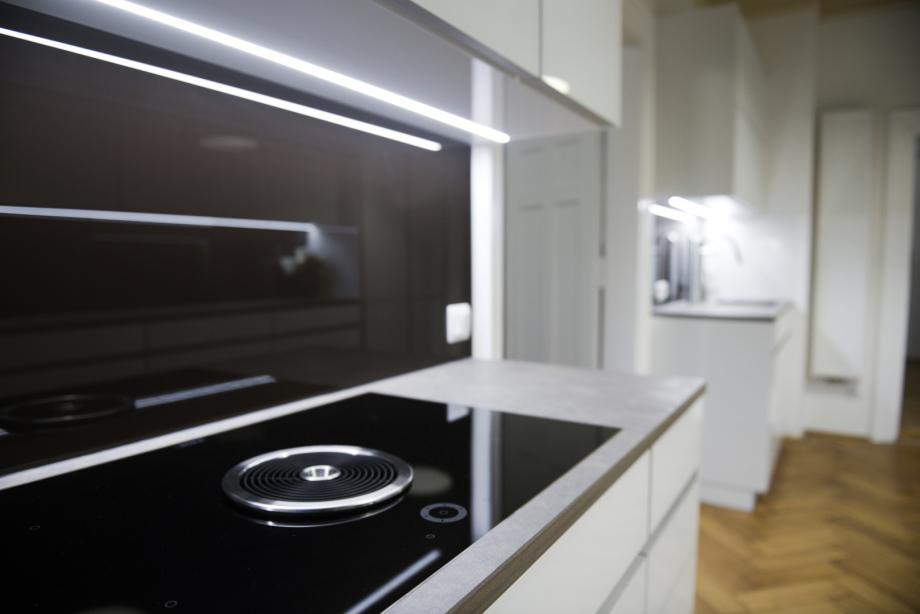 Lichtinszenierung der modernen Küche